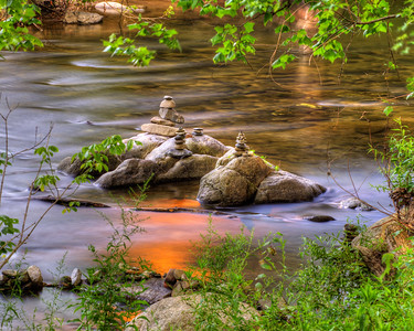 Rock Sculpture Glowing 9202